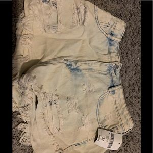 NWT Forever 21 mid rise cut off jean shorts